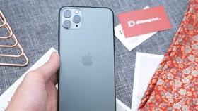 Phone 11 Pro Max hiện đang được giảm đến 2,7 triệu đồng