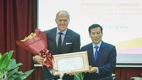 Huyền thoại golf thế giới làm Đại sứ Du lịch Việt Nam