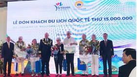 Du lịch Việt Nam đón vị khách thứ 15 triệu là người quốc tịch Mỹ