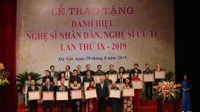 """""""Các nghệ sĩ thực sự là những ngôi sao chiếu sáng bầu trời nghệ thuật của Việt Nam"""""""