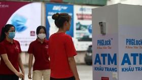 ATM khẩu trang miễn phí cho người dân Hà Nội
