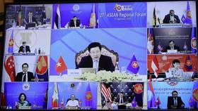 Bộ trưởng Ngoại giao Phạm Bình Minh chủ trì Hội nghị Diễn đàn Khu vực ASEAN lần thứ 27