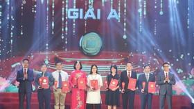"""""""Đoàn binh Tây Tiến"""" được trao giải A - Giải thưởng Sách Quốc gia lần thứ 3"""
