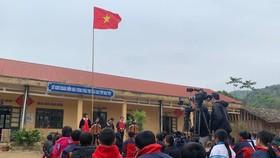 """""""Tổ quốc trong tim"""" - xúc động trong lễ chào cờ nơi địa đầu Tổ quốc"""