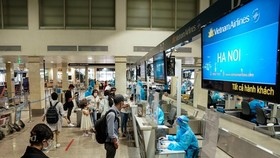 Khách bay từ TPHCM ra Hà Nội ồ ạt trả phòng, khách sạn hối hả hoàn tiền