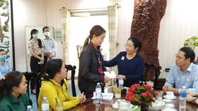 Lãnh đạo TPHCM thăm gia đình nạn nhân tử vong trong vụ cháy ở quận Bình Tân