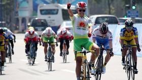 Cử chỉ ăn mừng chiến thắng của Nguyễn Thị Thật.