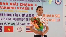 Tay đua Như Quỳnh đặt một tay vào danh hiệu Áo đỏ.