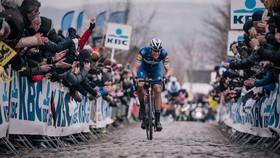 """Tour of Flanders luôn được """"biển người"""" chào đón."""
