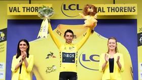 Egan Bernal đăng quang Tour de France 2019.