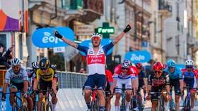 Jasper Stuyven chiến thắng Milan – San Remo 2021