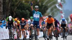 Pha ăn mừng chiền thắng quen thuộc của Mark Cavendish