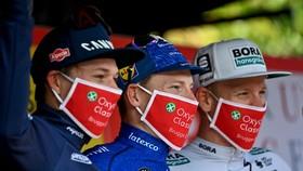 Các tay đua phải trải qua quy trình kiểm tra COVID-19 nghiêm ngặt