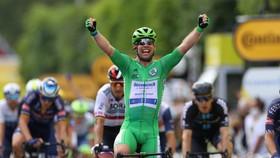 Mark Cavendish vui mừng chiến thắng chặng 6