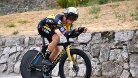 Primoz Roglic mở màn thuận lợi tại Vuelta a Espana