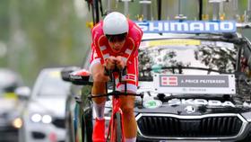 Tay đua Price-Pejtersen trên đường chạy