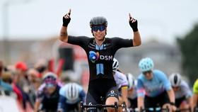 Lorena Wiebes chiến thắng chặng 5