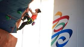 Thi đấu môn leo tường