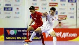 Cầu thủ Khổng Đình Hùng (Sanatech Khánh Hòa)