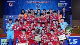 Đội TPHCM I lần thứ 7 đăng quang giải quốc gia. Ảnh: MINH HOÀNG