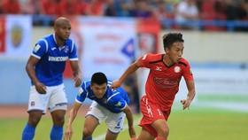 CLB TPHCM thua đau trên sân Cẩm Phả. Ảnh: MINH HOÀNG