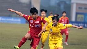 Hoài Lương và các cầu thủ TPHCM I đến gần với ngôi vô địch. Ảnh: Anh Trần
