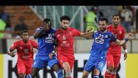 Esteghlal Tehran (áo xanh) nhiều khả năng không tham dự AFC Champions Leagie 2020.