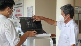 Tặng máy chụp X-quang kỹ thuật số di động hiện đại cho Bệnh viện quận Tân Phú