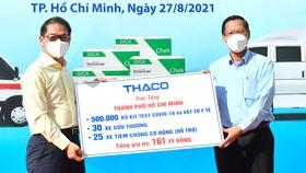 TPHCM tiếp nhận phương tiện, vật tư y tế do THACO trao tặng trị giá 161 tỷ đồng