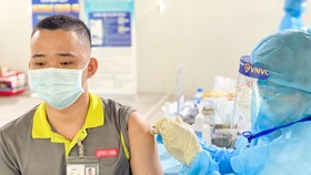 Bộ Y tế tiếp nhận thêm 1,3 triệu liều vaccine AstraZeneca