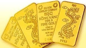 Gold soars by nearly VND900,00 per tael