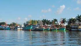 Several fishing vessels in Kien Giang Province are mooring at the dock although it is the main fishing season of the year. (Photo: SGGP)
