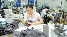 Industrial manufacturing exports nearly reach US$183 billion in first ten months