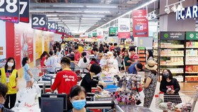 Supermarkets in HCMC ensure supply of essential goods