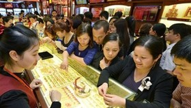 Domestic gold price higher than global VND5 million per tael