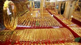 Gold surpasses VND48 million per tael