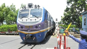 Railway industry struggles to overcome difficulties