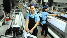Textile is among the products that still have export potential to the ASEAN market. (Photo: SGGP)