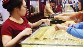 Gold regains by nearly VND1 million per tael