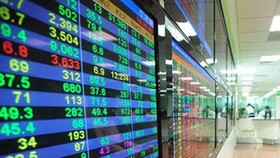 VN-Index climbs for fourth consecutive trading session, adding nearly 11 points