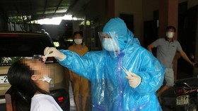 More F1 cases in Binh Duong, Ha Tinh positive for SARS-CoV-2 virus
