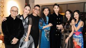 Nhiều nghệ sĩ xuất hiện tại triển lãm Mộng bình thường của Thủy Nguyễn