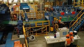 Sản xuất thép trong nước bị Mỹ áp thuế chống phá giá đến 250%. Ảnh: THÀNH TRÍ