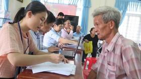 Cán bộ Sở LĐTB-XH TPHCM tới quận, huyện trực tiếp gặp dân để giải quyết dứt điểm về chính sách có công