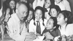 50 năm thực hiện di chúc của Chủ tịch Hồ Chí Minh: Phải thực sự coi giáo dục là quốc sách hàng đầu
