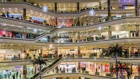 Hướng đến trung tâm mua sắm tầm khu vực