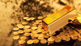 Giá vàng thế giới tiếp tục tăng, trong bối cảnh USD suy yếu.