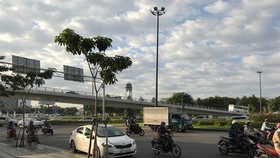The overpass at the Truong Son Road – Hong Ha Road intersection in Tan Binh district (Photo VNA)