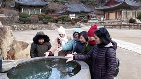 Vietnamese tourists visit Jeondeungsa Temple, Incheon, SouthKorea.