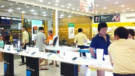An electronic and mobile retail store of Mobile World Investment Corporation in HCM City. (Photo: thegioididong.com)
